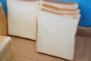 ユニファームはらぺこパンや